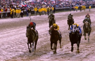 Personal Ensign (far left) runs down Kentucky Derby champ Winning Colors to cap an undefeated career.