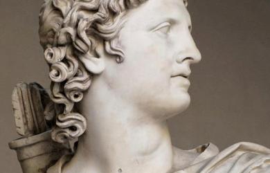 Apollo_statue
