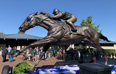 Secretariat Sculpture